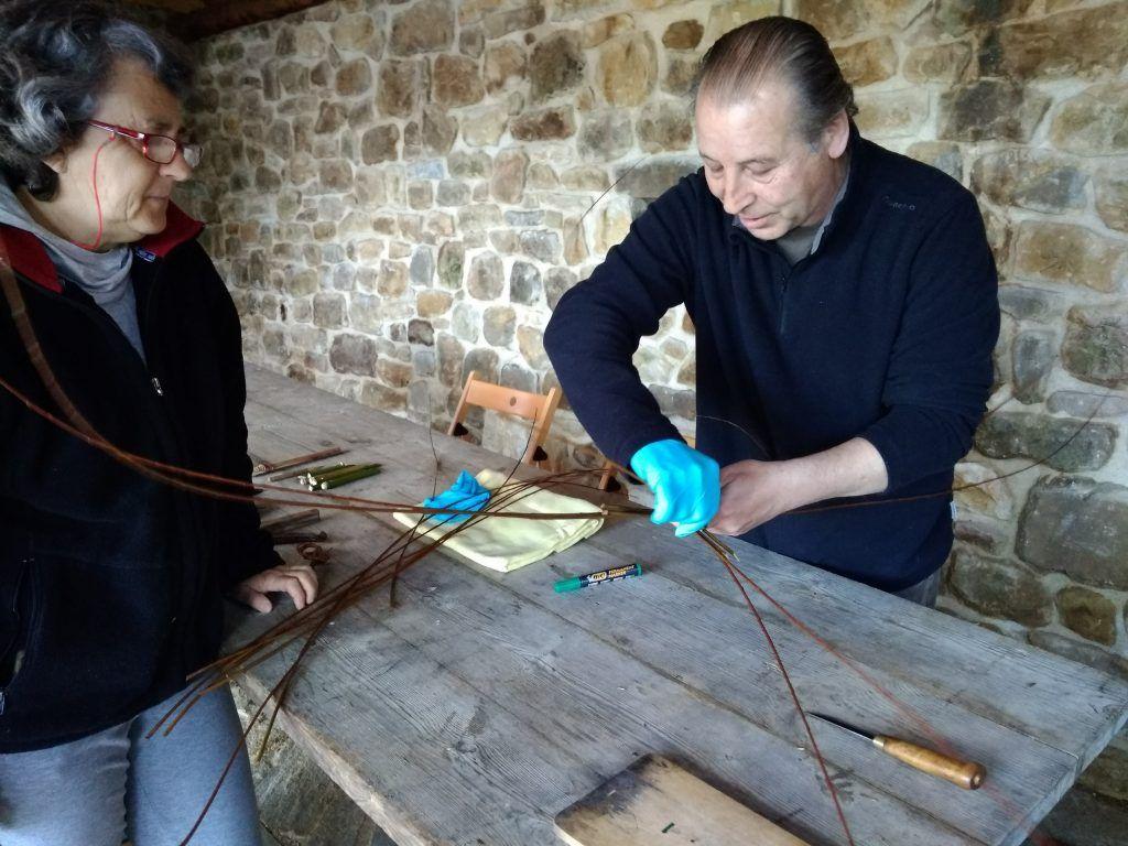 Empezando el taller de cestos en Asturias