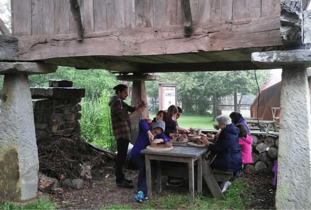 Taller de cerámica en Asturias, para disfrutar con niños o en familia.
